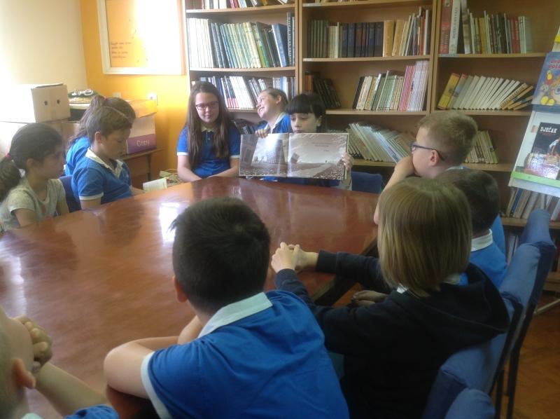 Igrokaz i čitanje priče u knjižnici