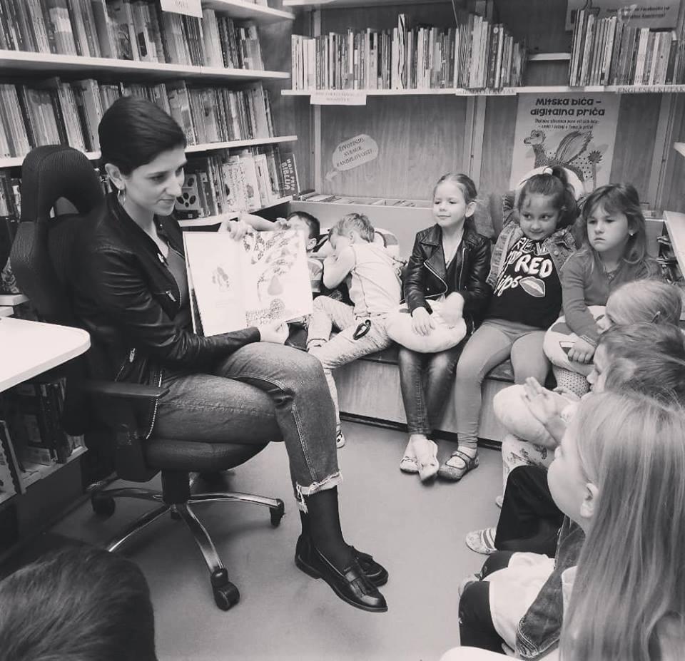 Čitamo i družimo se u bibliobusu