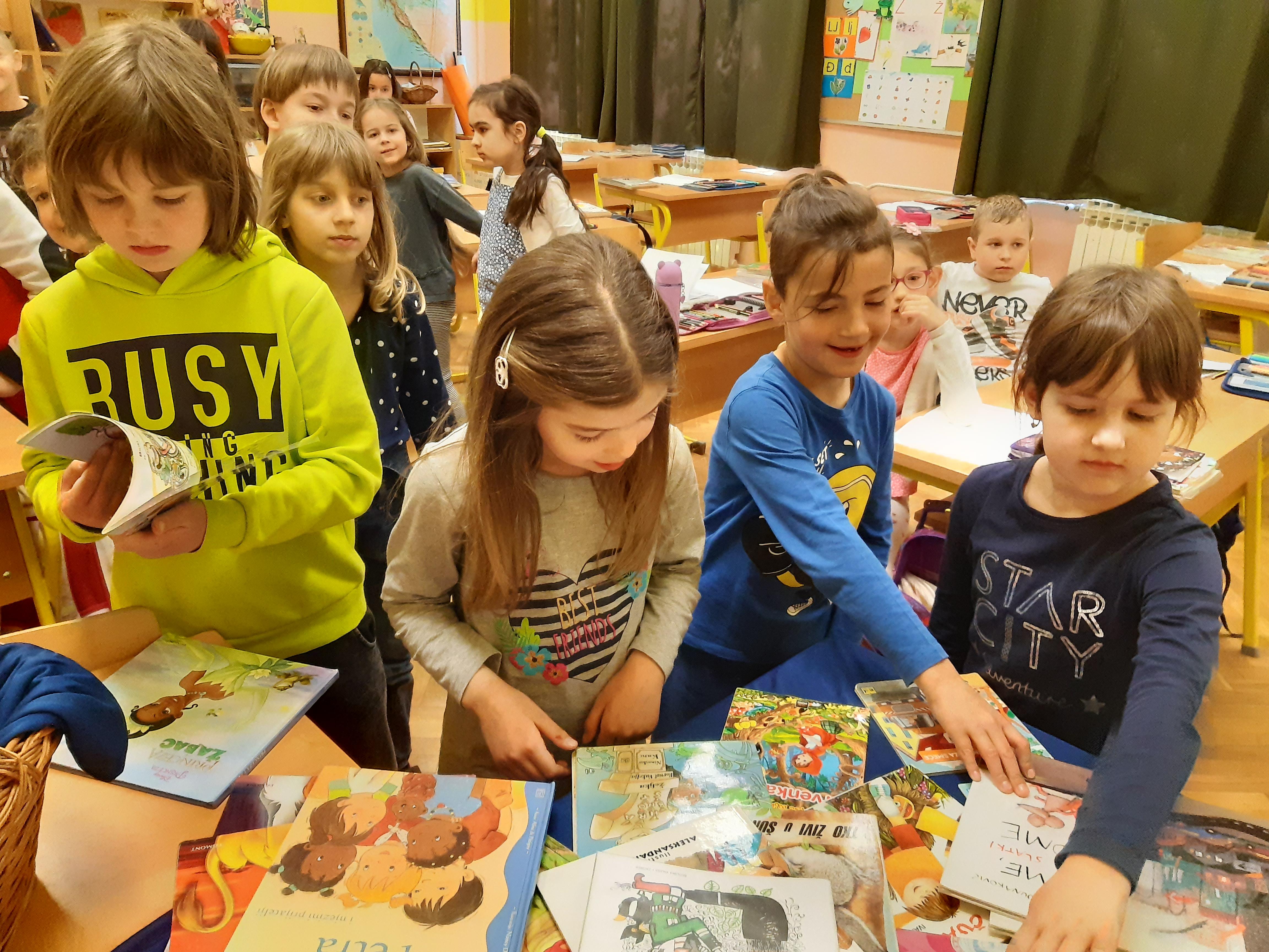 Vršnjaci vršnjacima – reklame i preporuke o pročitanim knjigama